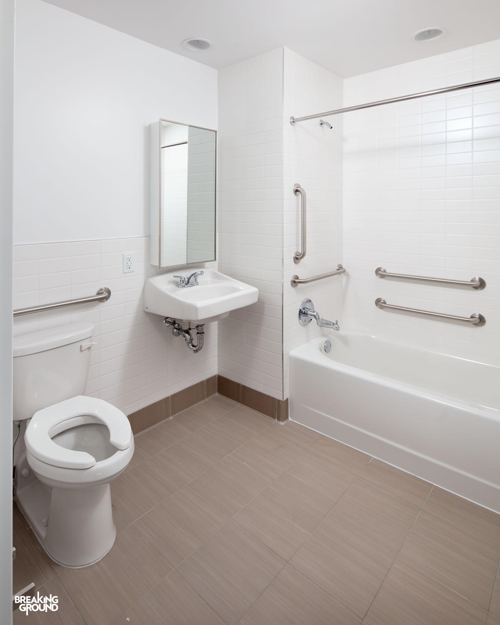 Bg La Central Unit Bathroom