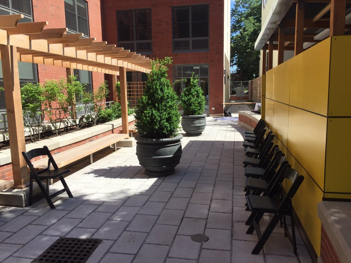 Sydelle Courtyard